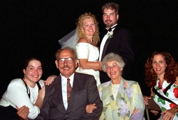 family at po wedding